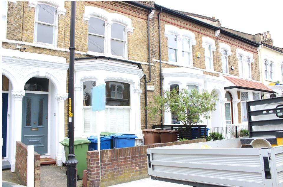 Gowlett Rd, London, SE15 4HX
