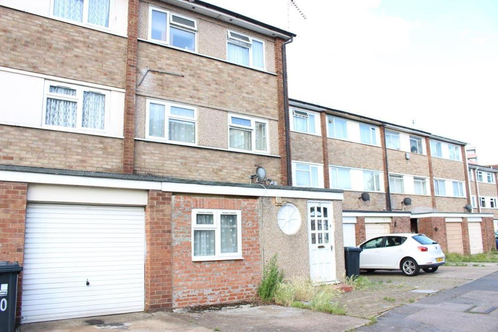 Broomcroft Avenue, London, Northolt, UB5 6HZ